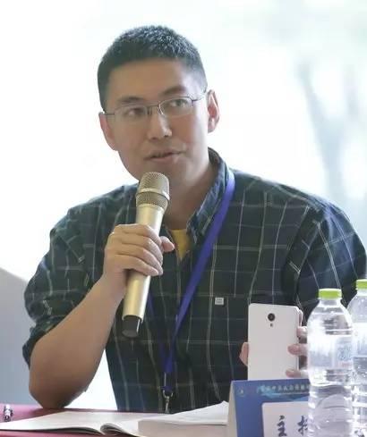 在教学上,刘海龙老师一直主张所有的学习和学术训练都要回归到对图片