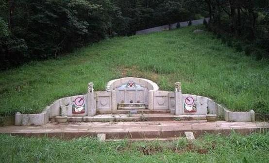 【沈氏风水堂】墓地虽小风水多,世代兴旺全靠它!图片