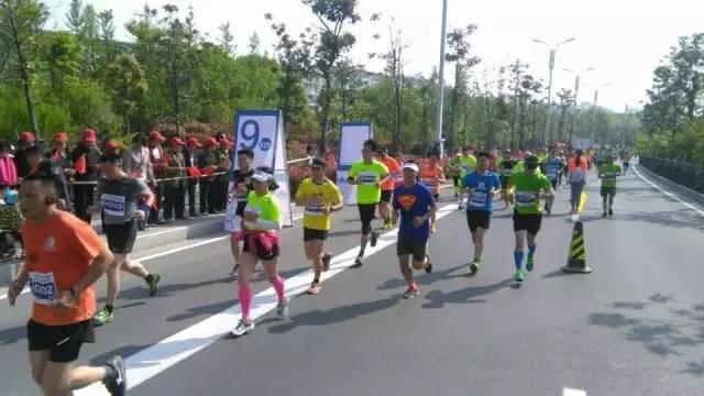 扬州马拉松2017官网图片 扬州马拉松2017官网图片大全 社会热点图片 ...图片 34532 600x337