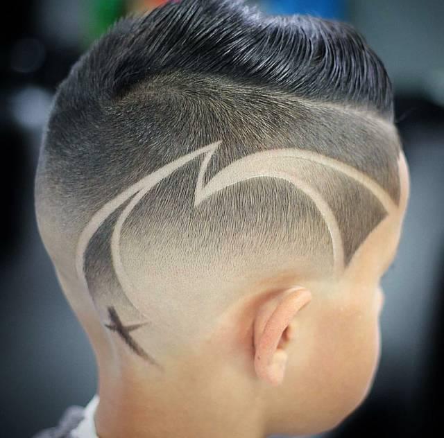 时尚 正文  男士刻痕发型,展现你的个性与时尚 雕刻发型总是在痞气中图片