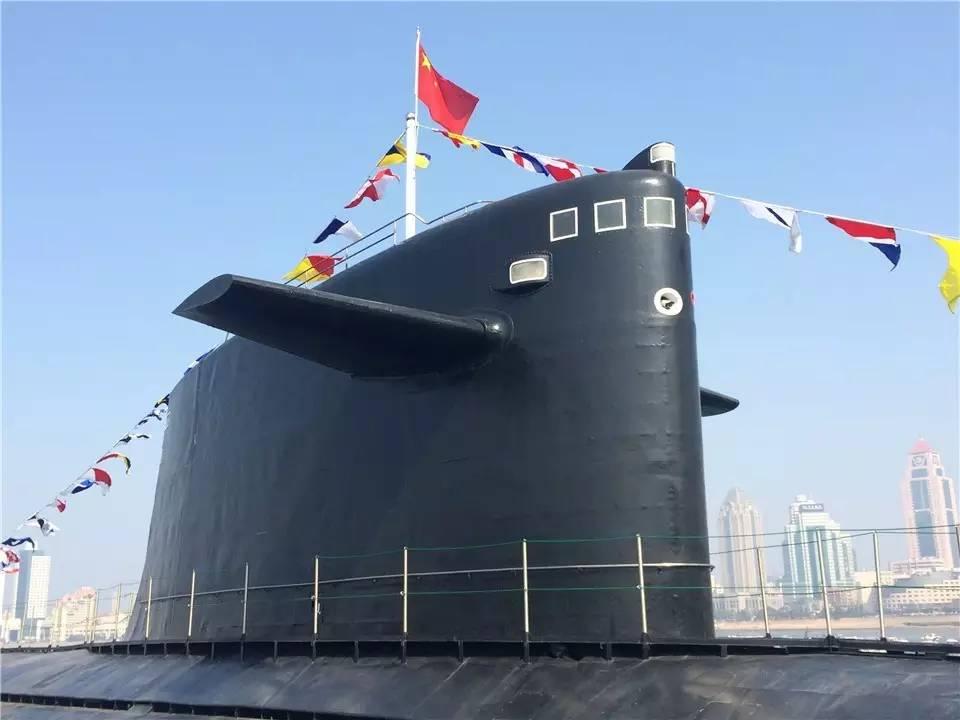 首艘装备锂电潜艇_今天起,中国首艘核潜艇在青岛对外开放!(视频 多图)