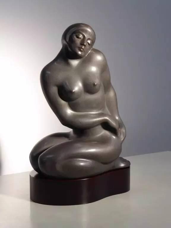 白铜女性现代人体雕塑8