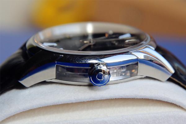 欧米茄明亮之蓝二手表的价格是多少