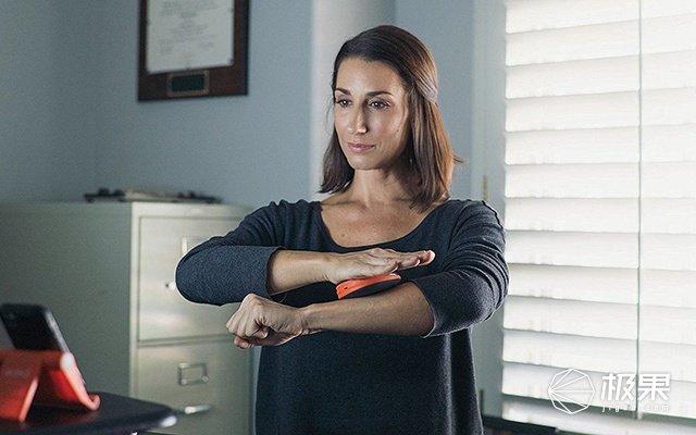 双手合十就能减肥?这个健身器上班坐着也能练