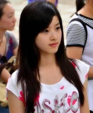 """刘强东""""脸盲"""",一定是看了乃茶妹妹这些运动服照"""