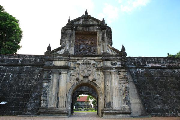 菲律宾:行摄在马尼拉的古建筑与现代摩登之中 - 潘昶永 - 往事并不如烟