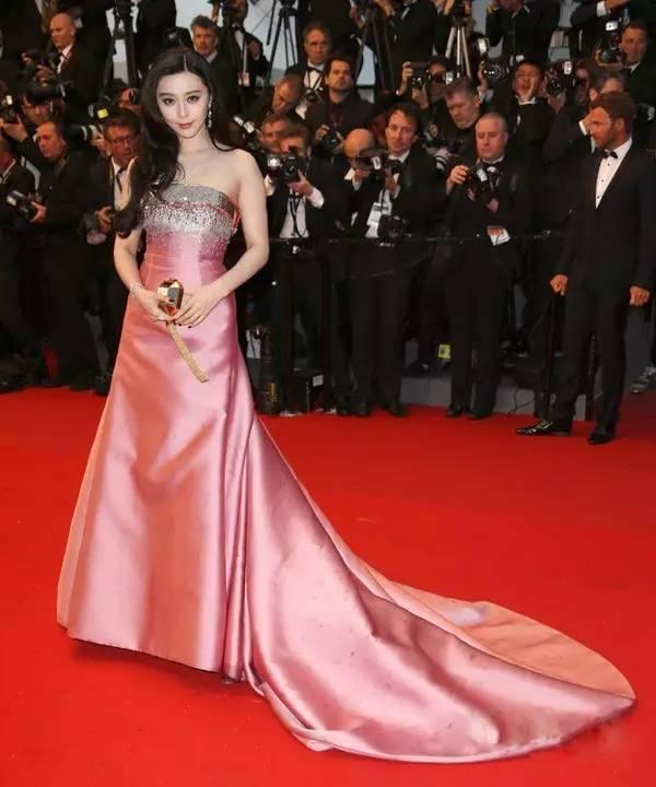 """国际""""范""""丨通往国际之路,她不止是红毯而已 风格偶像 图18"""
