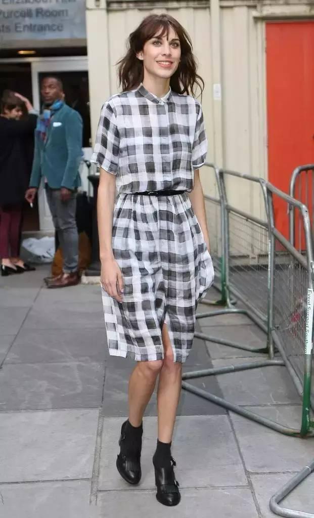 经典百搭的气质衬衫裙又火了,时髦又有女人味! 服饰潮流 图34