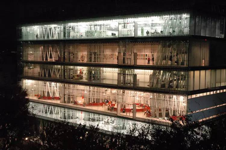 伊东丰雄的上海展览可以让你更好理解这个在灾民安置点建公共空间的建筑师 行业新闻 丰雄广告第5张