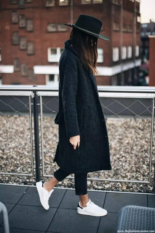 这三款平底鞋配大衣,经典又时髦,绝对是气场十足! 服饰潮流 图8