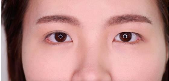 李小璐眼皮宽窄切换自如,秦海璐啥时候割了她价值百万的单眼皮? 美容护肤 图34