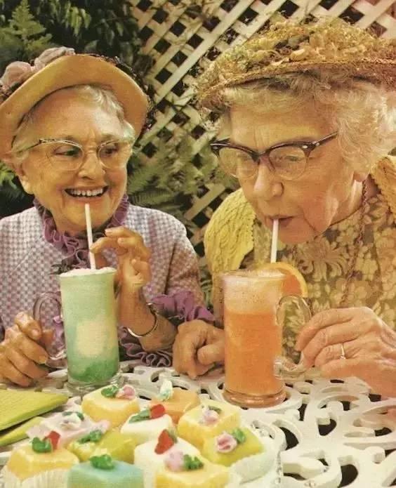 闺蜜,等我们老了,就这样过吧 生活方式 图1