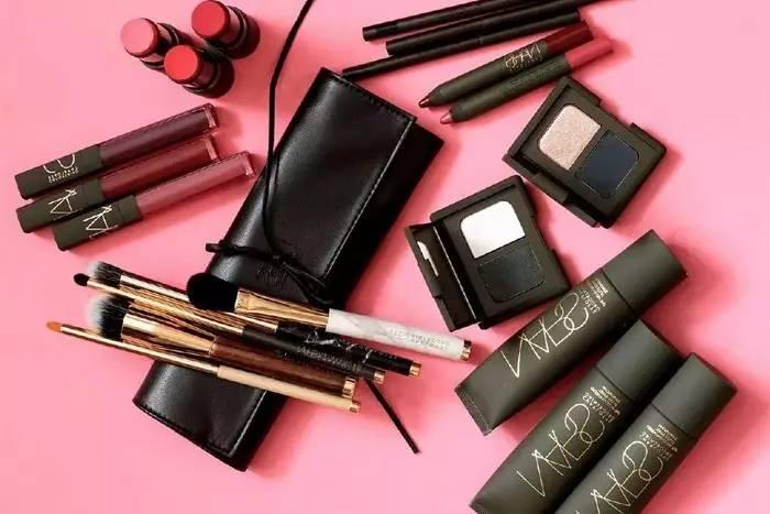 抢钱天团|高颜值彩妆又出限定和新品啦! 美容护肤 图20