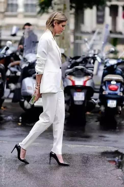 白裤子显胖?NO!这样穿搭,你也能又高又瘦! 服饰潮流 图21
