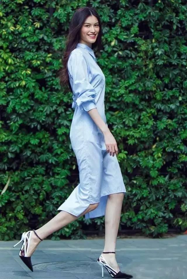 经典百搭的气质衬衫裙又火了,时髦又有女人味! 服饰潮流 图5