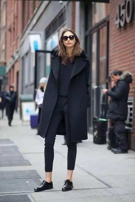 这三款平底鞋配大衣,经典又时髦,绝对是气场十足! 服饰潮流 图62