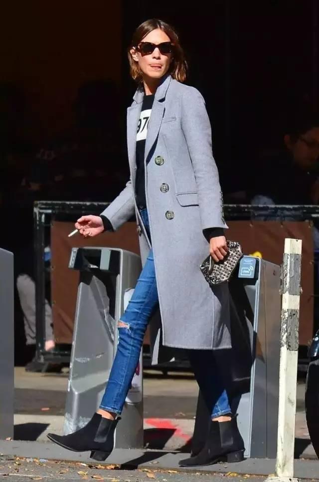 这三款平底鞋配大衣,经典又时髦,绝对是气场十足! 服饰潮流 图84