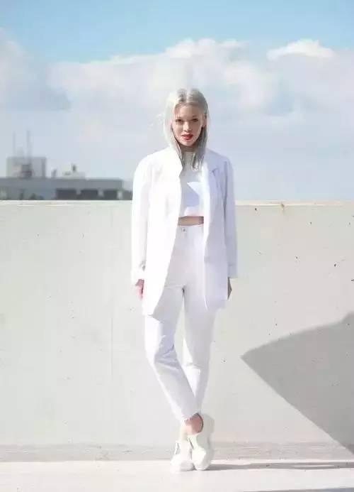 白裤子显胖?NO!这样穿搭,你也能又高又瘦! 服饰潮流 图24
