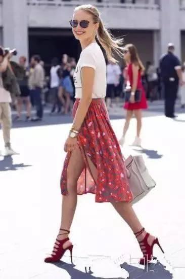 女人千万别乱穿开叉裙,要穿就穿最漂亮的! 服饰潮流 图5