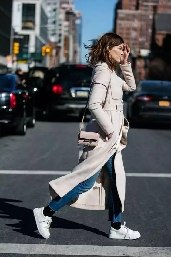 这三款平底鞋配大衣,经典又时髦,绝对是气场十足! 服饰潮流 图27