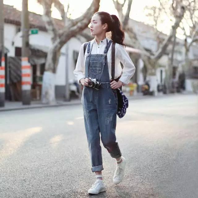 这样穿背带裤,让你逆袭成18岁小姑娘! 服饰潮流 图4