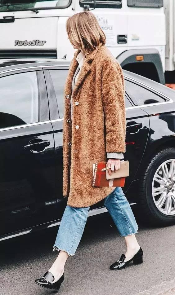 这三款平底鞋配大衣,经典又时髦,绝对是气场十足! 服饰潮流 图46
