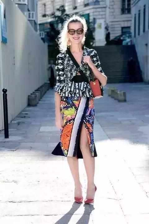 女人千万别乱穿开叉裙,要穿就穿最漂亮的! 服饰潮流 图2