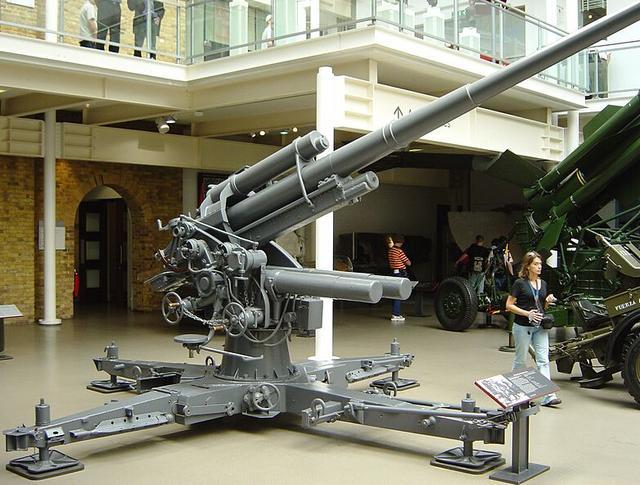 德国非洲军团用这一反坦克炮创下神话 英国坦克完全就是废铁