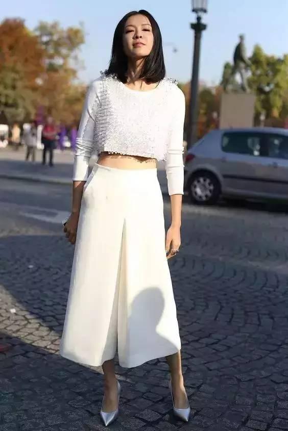 白裤子显胖?NO!这样穿搭,你也能又高又瘦! 服饰潮流 图15