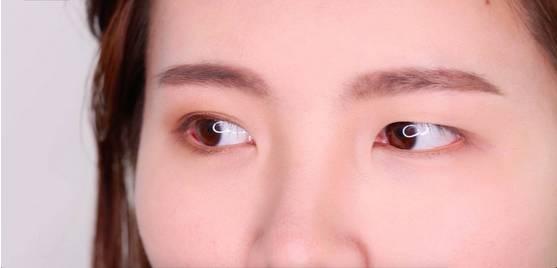 李小璐眼皮宽窄切换自如,秦海璐啥时候割了她价值百万的单眼皮? 美容护肤 图37