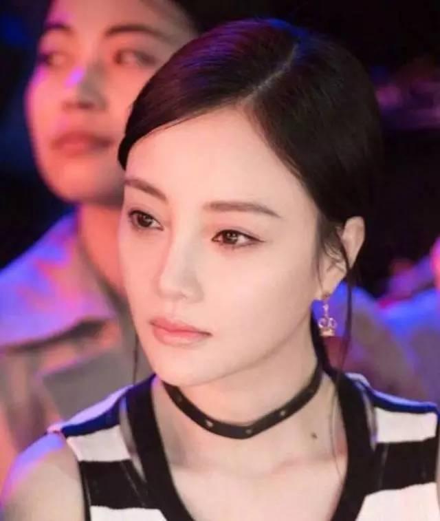 李小璐眼皮宽窄切换自如,秦海璐啥时候割了她价值百万的单眼皮?