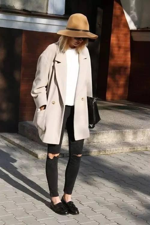 这三款平底鞋配大衣,经典又时髦,绝对是气场十足! 服饰潮流 图54