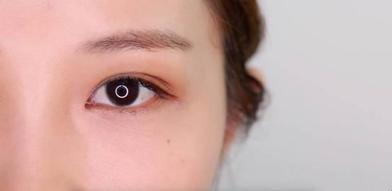 李小璐眼皮宽窄切换自如,秦海璐啥时候割了她价值百万的单眼皮? 美容护肤 图26