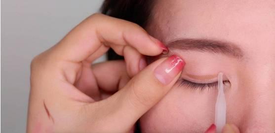 李小璐眼皮宽窄切换自如,秦海璐啥时候割了她价值百万的单眼皮? 美容护肤 图33