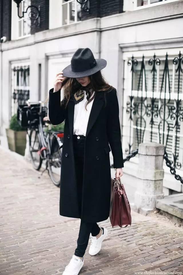 这三款平底鞋配大衣,经典又时髦,绝对是气场十足! 服饰潮流 图11