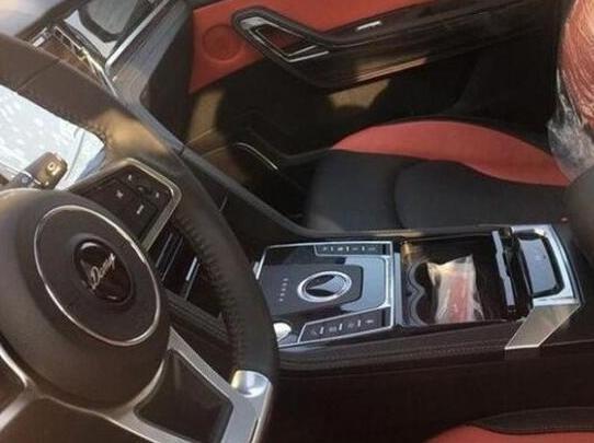 众泰汽车推出自动挡车型大迈X7将于5月正式上市