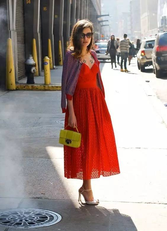 这是夏季最有女人味的一条连衣裙! 服饰潮流 图27