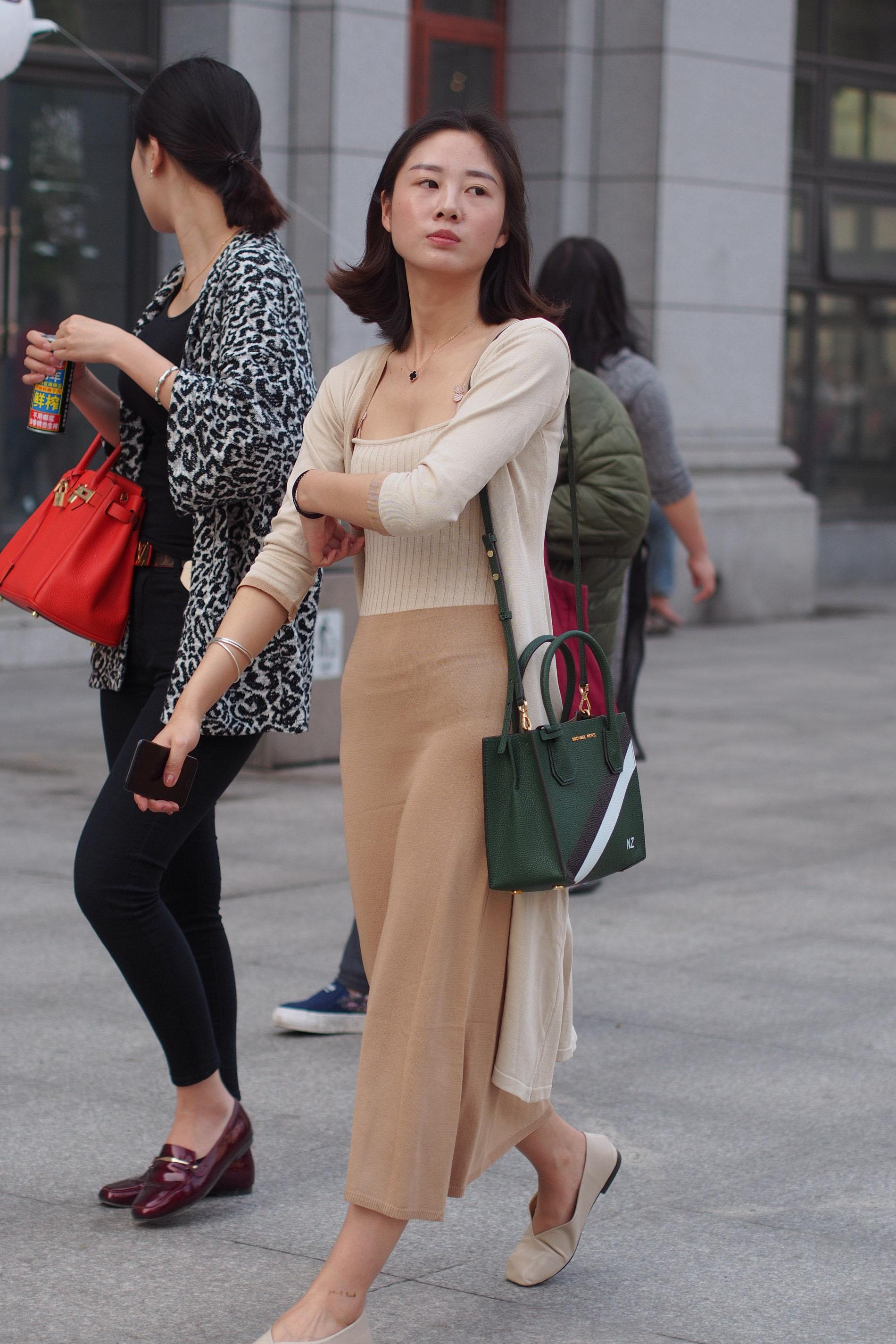 com 上海ktv美女街拍-1上海美女街拍 街拍美女网 图片 2304 x 3456