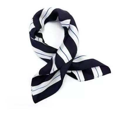 四方围巾的各种围法