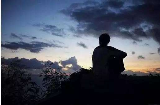 男生落寞伤感的图片说说,伤心至极的话