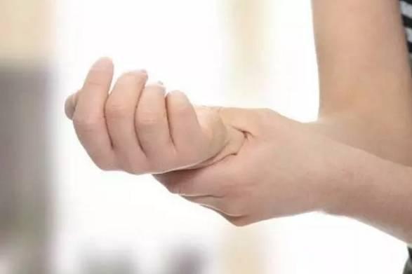 手脚麻木竟是6大疾病先兆!?