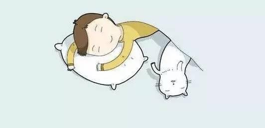 研究人员对350个健康宝宝进行睡姿研究,发现趴着睡的宝宝智力发育较
