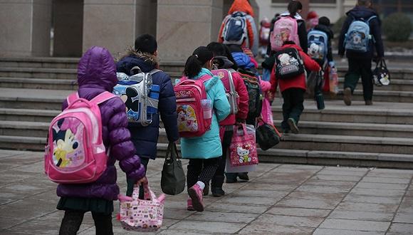 【法制晚报】非京籍儿童入学条件收紧租房至少半年(组图)