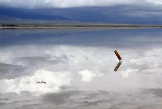 大片云朵就浮在头上