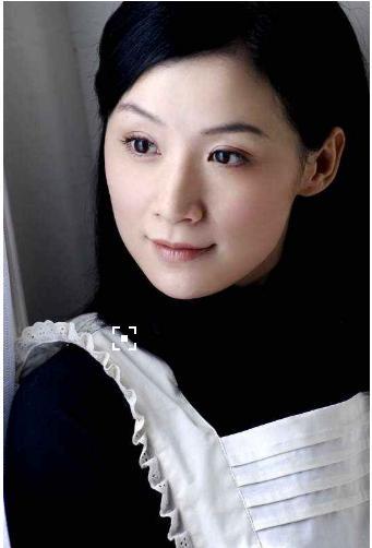 《少年康熙》中赫舍里芳儿,《女人不哭》 中的阿梅.图片