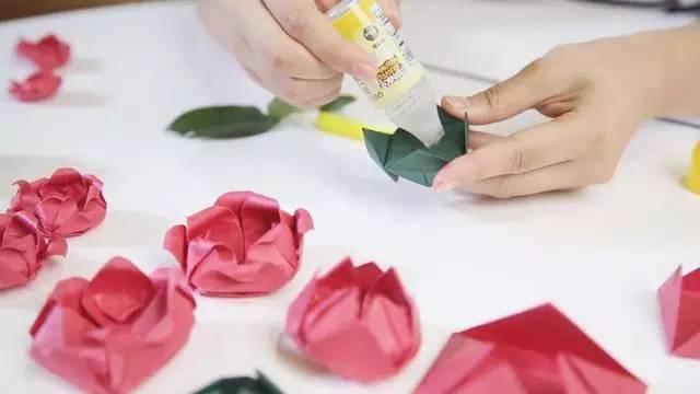 剪纸玫瑰花的手工制作教程,太美了!
