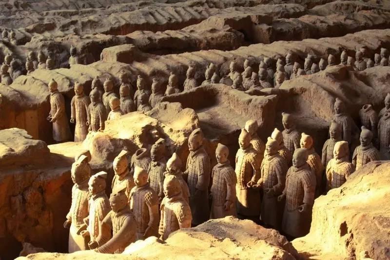 秦始皇帝陵博物院接待游客11.41万人次,华清宫接待游客6.96万人次.