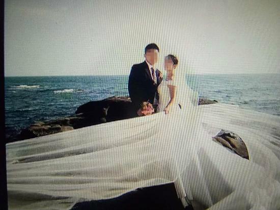 婚礼现场被演员充斥,警方到底该不该介入?