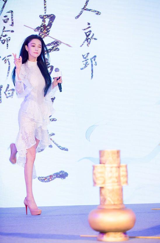 张馨予新剧造型cos刘亦菲,两大美人谁是你的菜 服饰潮流 图5
