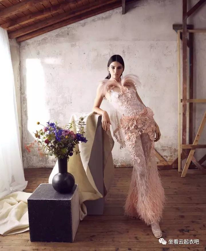 超模Ginta Lapina 演绎夏日别致复古风情 风格偶像 图5